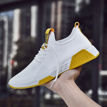 2020 new men's shoes Korean Trend mix and match breathable fly mesh sports casual shoes men